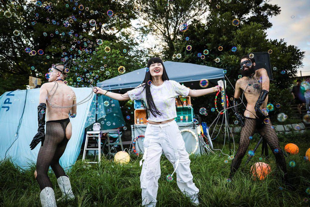 chorareii_slick_rave_party_bubbles