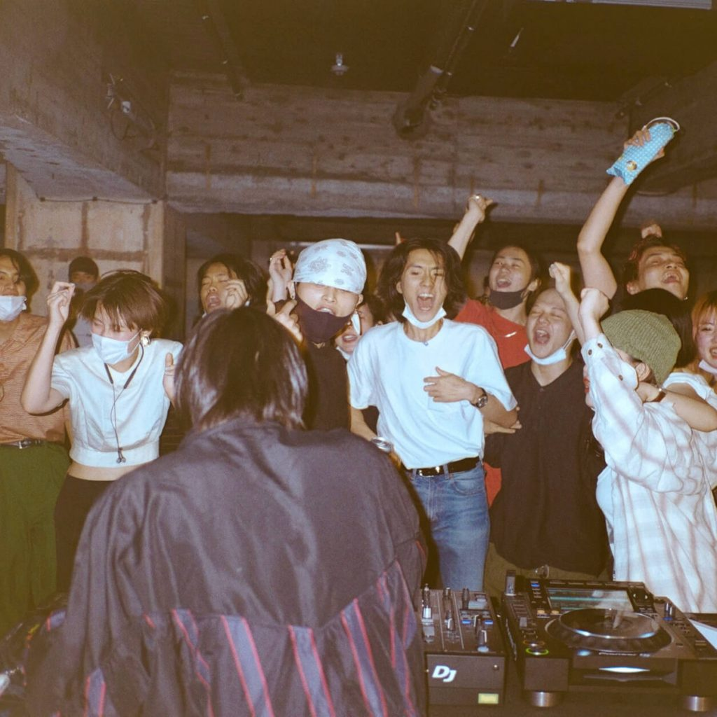 chorareii_gillochindoxgillochindae_jyu_live_crowd2